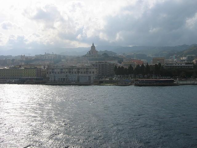 Messina, vista desde el mar