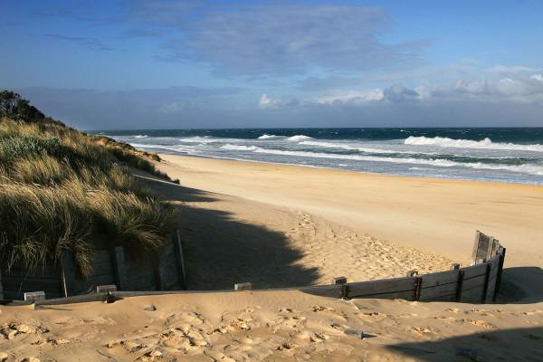 La playa de las 90 millas de Victoria es una de las más grandes del mundo