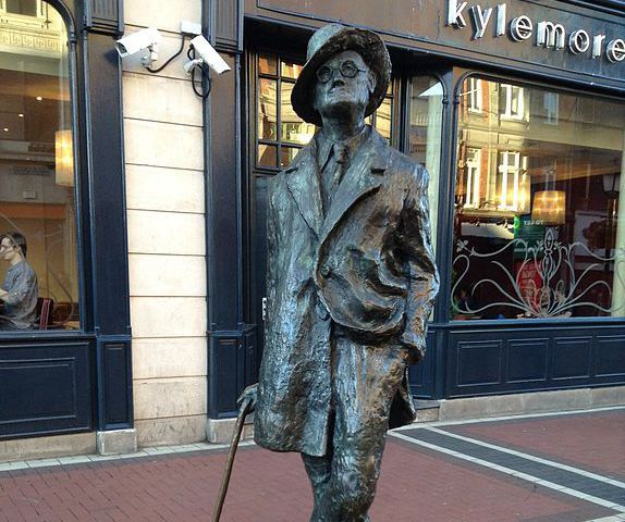 Estatua de James Joyce en Dublín