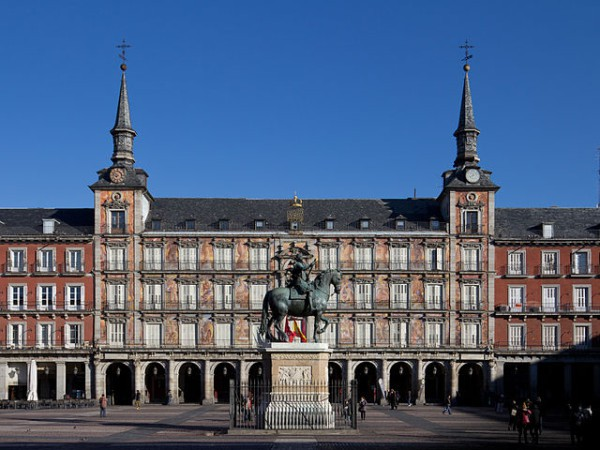 640px-Plaza_Mayor_de_Madrid_-_01