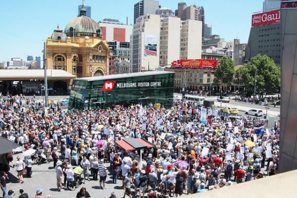 Federation Square es la principal plaza de Melbourne