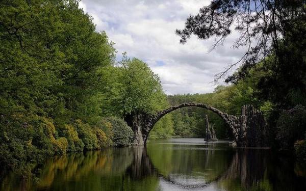 Puente del Diablo, cerca de Kromlau