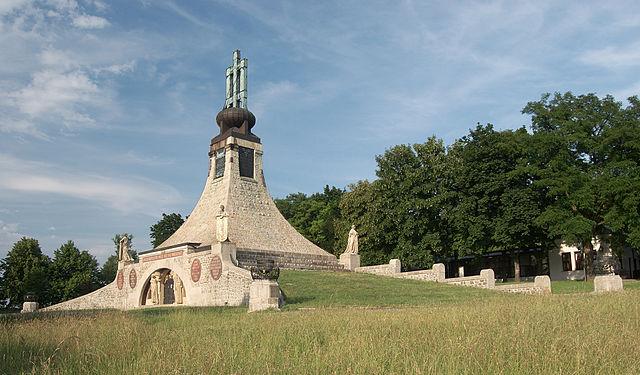 Monumento Mohyla Miru en Brno