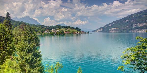 El lago de Thun, un hermoso escenario alpino