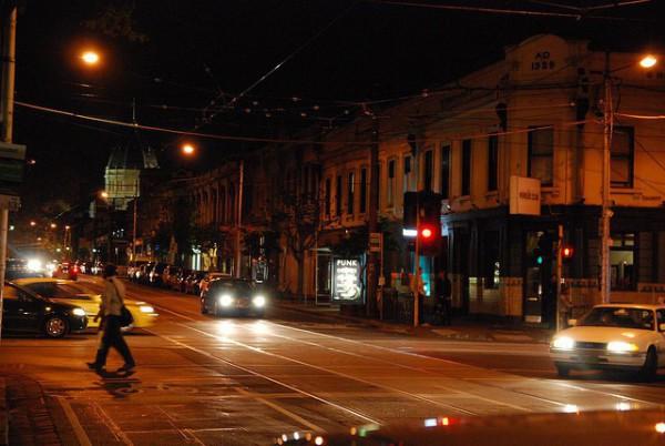 Brunswick Street es una de las calles comerciales de Melbourne