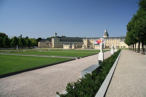El Palacio de Karlsruhe, el descanso de Carlos