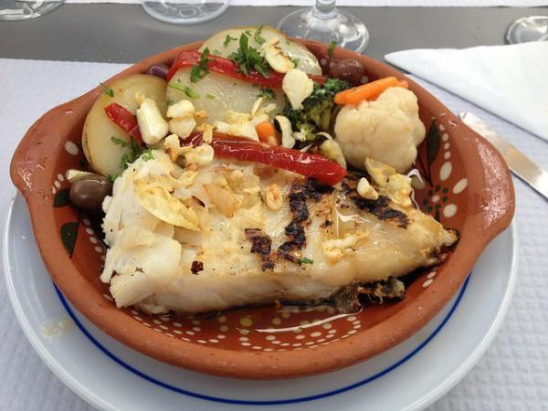 Los platos de pescado a la brasa son típicos de la gastronomía de las Azores