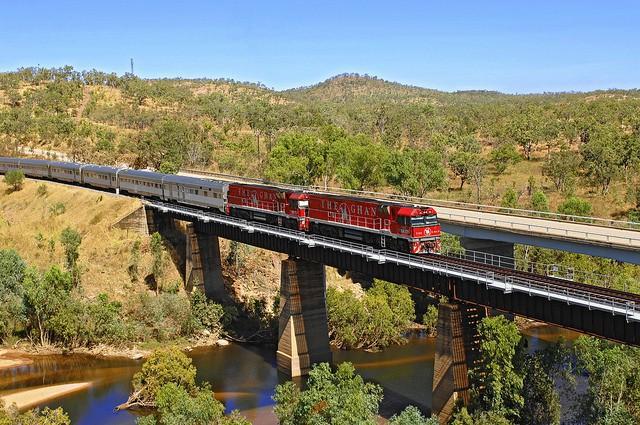 The Ghan es un tren que cruza Australia de sur a norte