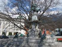 Fuente Leopoldsbrunnen en Innsbruck