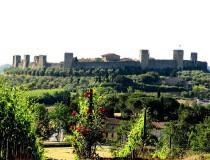 Monteriggioni, pueblo amurallado en la Toscana