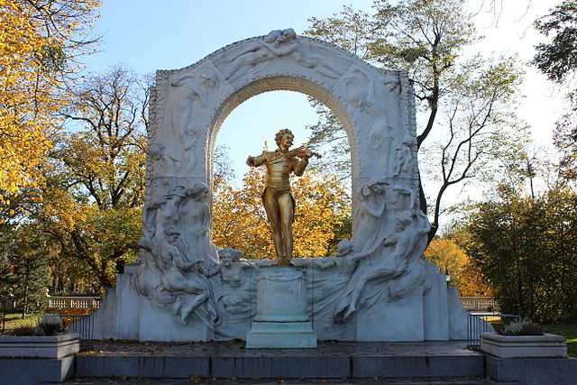 Monumento a Johann Strauss en Viena