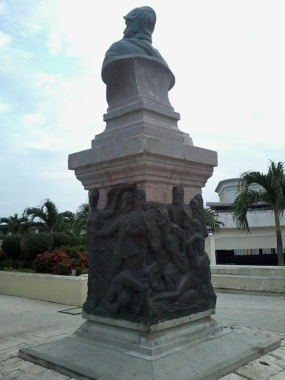 Monumento a Pedro de Orellana en Guayaquil