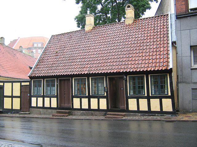 Escultura del Barco de Papel en Odense