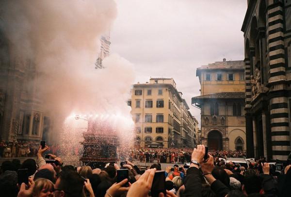 Scoppio del Carro, tradición del Domingo de Pascua en Florencia