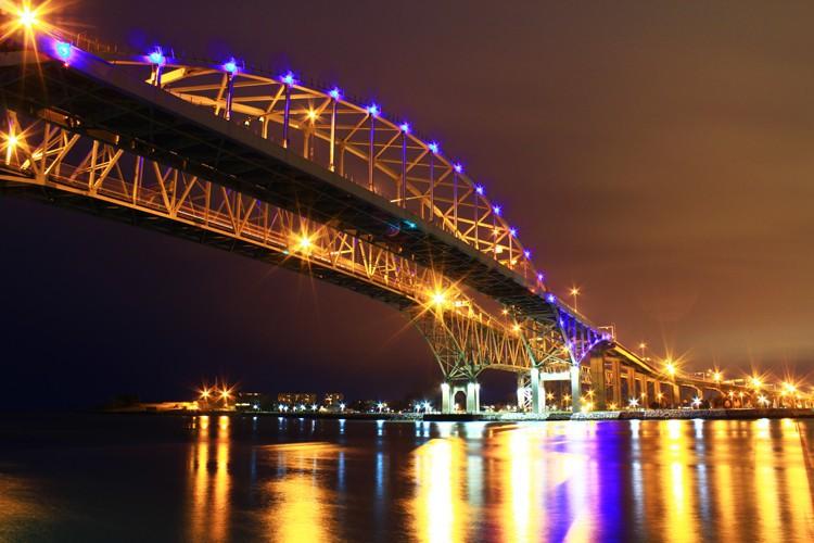 Puente Blue Water en Canadá