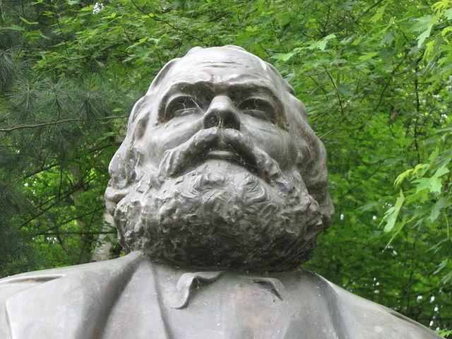 Monumento a Karl Marx en Karlovy Vary