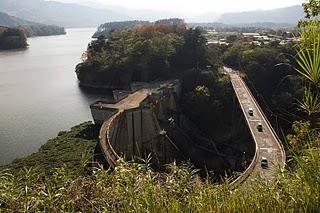 Lago de Cachí en Costa Rica