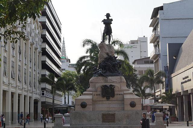 Monumento a Antonio José de Sucre en Guayaquil