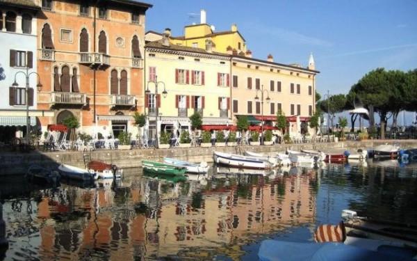 Desenzano es uno de los pueblos más bonitos a orillas del Lago Garda