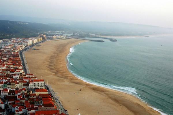 Nazaré es una ciudad costera de Portugal
