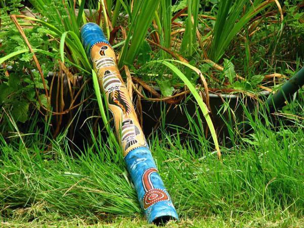 El didgeridoo es un famoso instrumento musical aborigen