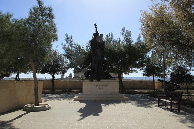 Monumento Sette Giugno en La Valeta