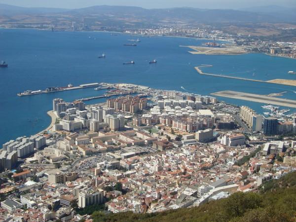 Vista de la ciudad de Gibraltar desde el Peñón