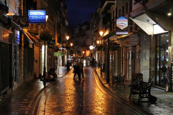 Main Street es la calle central de Gibraltar
