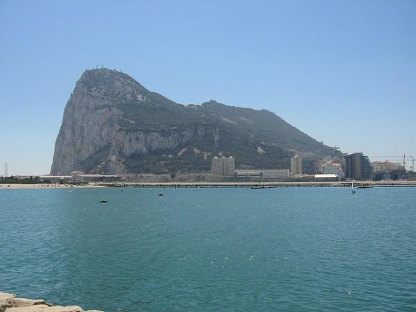 El Peñón de Gibraltar, visto desde las afueras