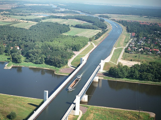 Un río sobre un río, el curioso puente acuático que hay en Magdeburgo