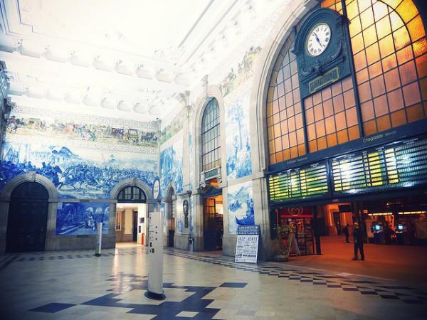 La estación de Oporto es de lo más monumental