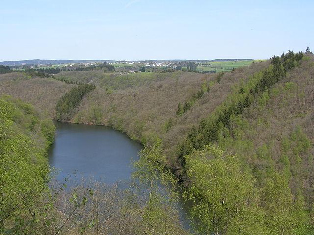 Lago Nisramont en Bélgica