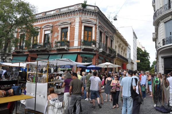 Una plaza elegida por turistas