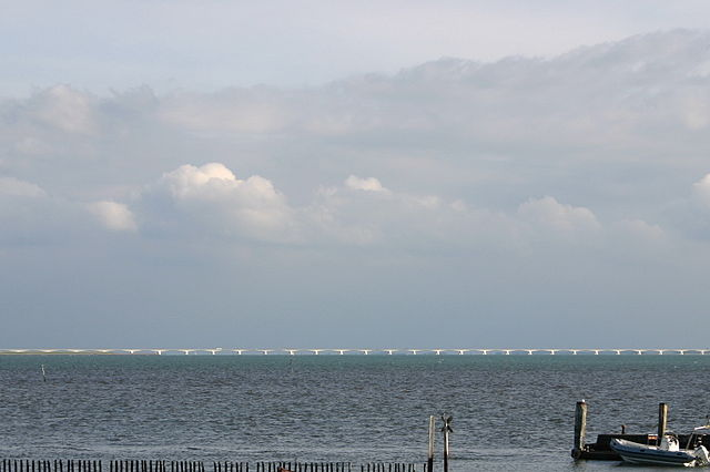 Puente de Zeeland en Holanda