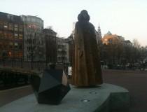 Estatua de Spinoza en Amsterdam