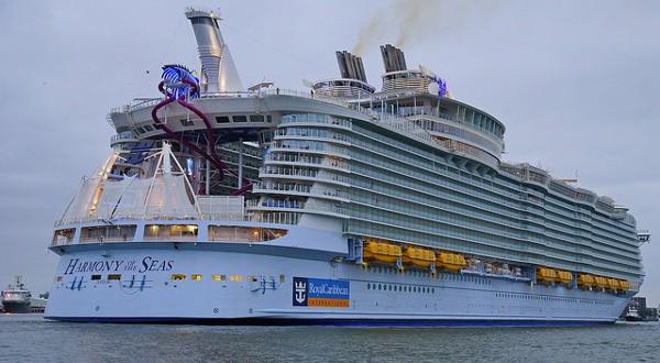 El Harmony of Seas transporta alrededor de 9 mil personas