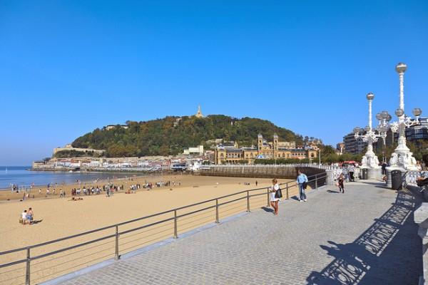 La Concha es la playa más famosa de San Sebastián