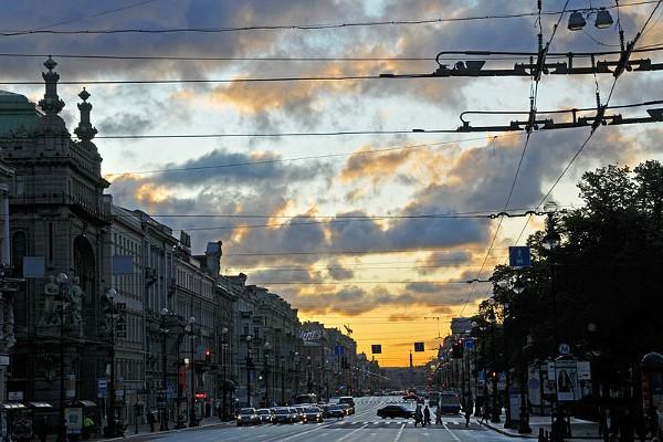 La Avenida Nevsky es la principal artería de San Petersburgo