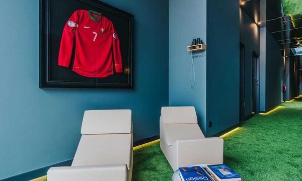 Cristiano Ronaldo está muy presente en la decoración de su hotel