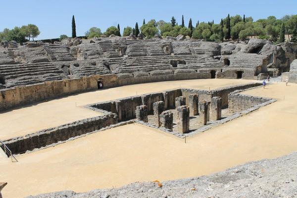 El anfiteatro de las ruinas de Itálica, en Sevilla