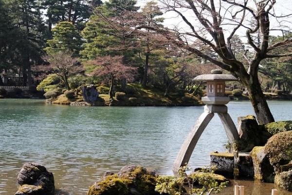 Los jarines de Kenrokuen son uno de los más bonitos de Japón