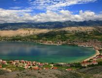 Pag, la isla de las fiestas en la costa de Croacia