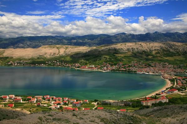 La isla croata de Pag es conocida por sus fiestas