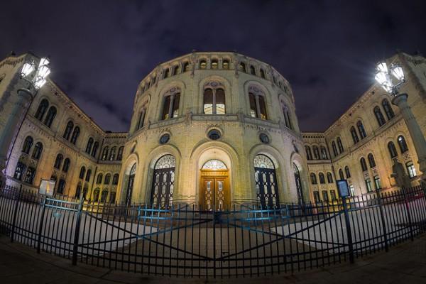 El Palacio de Storting es la sede del gobierno en Noruega
