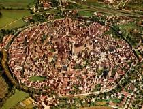 Nördlingen, la ciudad alemana construida sobre el cráter de un meteorito