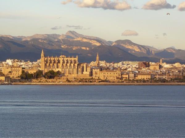 Nuevas conexiones de verano con Melilla
