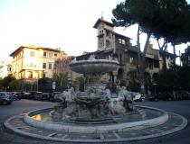Quartiere Coppedè, una curiosa mezcla de edificios de varios estilos en Roma