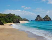 Fernando de Noronha, isla turística en Brasil