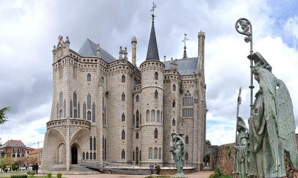 El Palacio Episcopal de Astorga, diseño de Gaudí