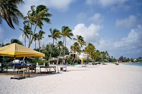 Robert De Niro construirá un hotel en Barbuda